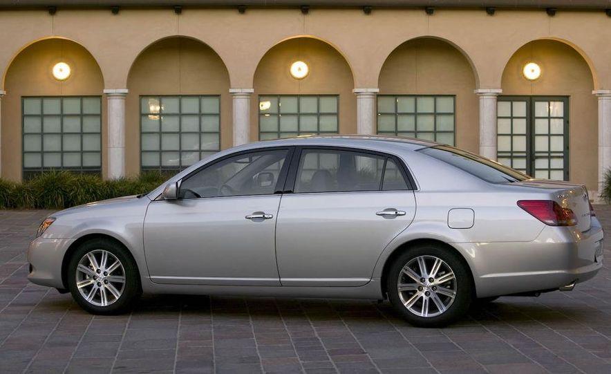 2008 Toyota Avalon - Slide 3