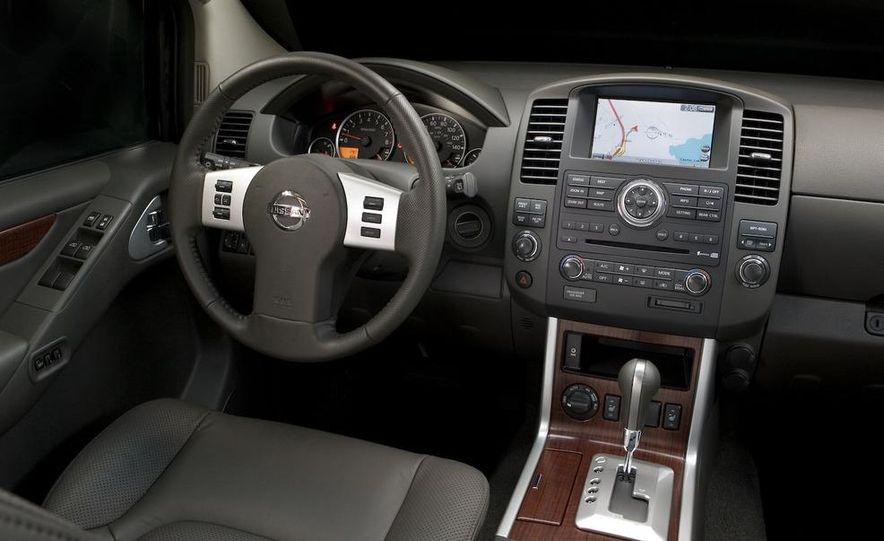 2008 Nissan Pathfinder - Slide 7
