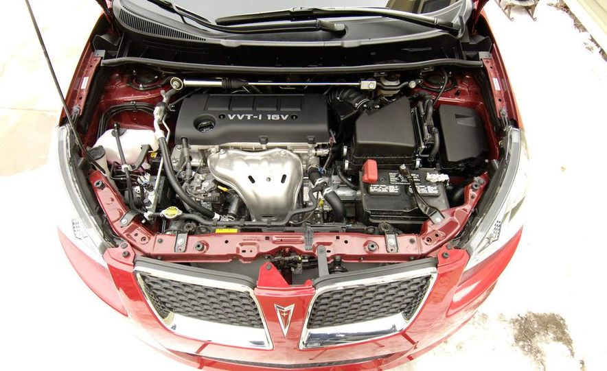 2009 Pontiac Vibe GT - Slide 14