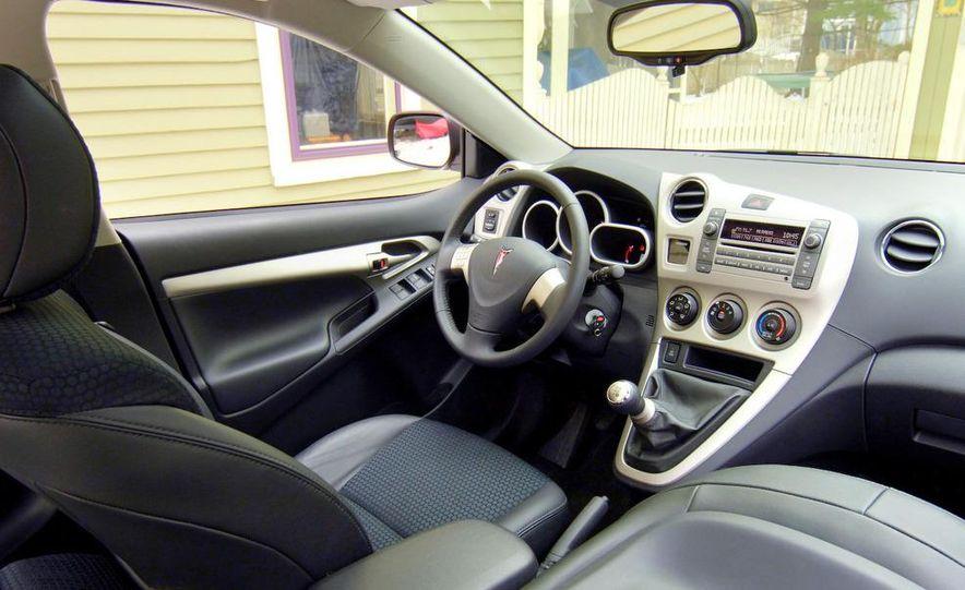 2009 Pontiac Vibe GT - Slide 9