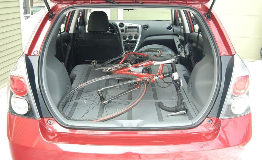 2009 Pontiac Vibe GT - Slide 10