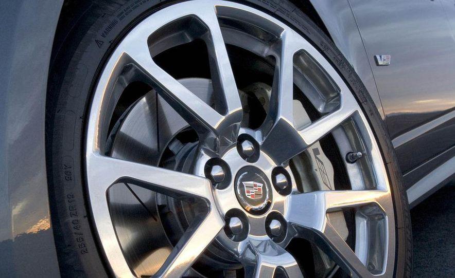 2009 Cadillac CTS-V - Slide 13