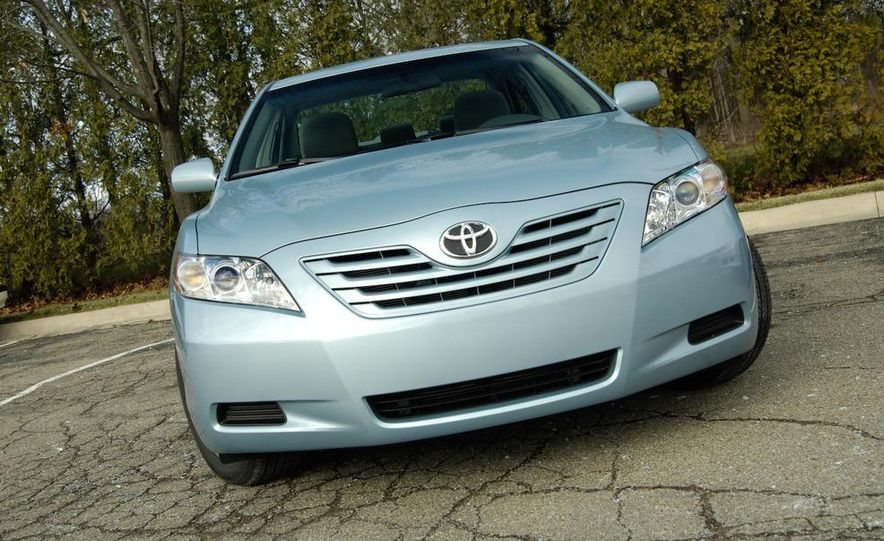 2008 Toyota Camry LE - Slide 1