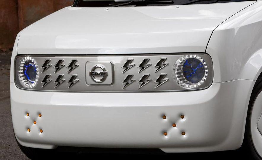 2010 Nissan Cube - Slide 12