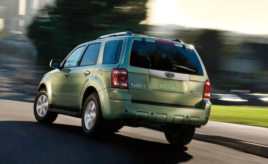 2009 Ford Escape interior - Slide 4