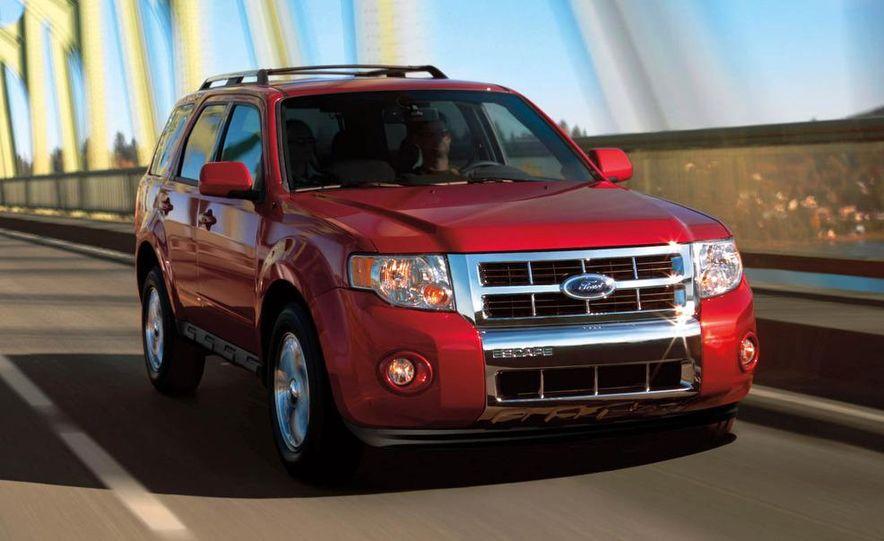 2009 Ford Escape interior - Slide 12