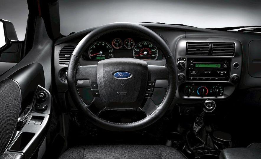 2008 Chevrolet Silverado LTZ - Slide 27