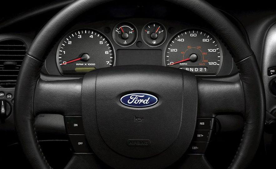 2008 Chevrolet Silverado LTZ - Slide 29