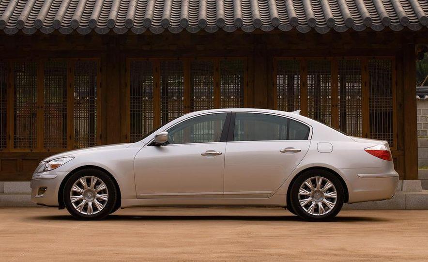 2009 Hyundai Genesis sedan - Slide 4