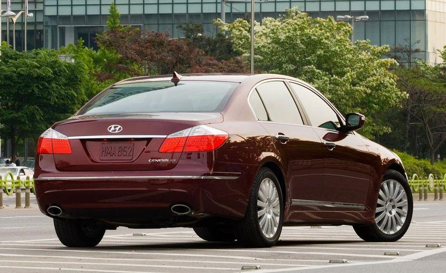 2009 Hyundai Genesis sedan - Slide 10