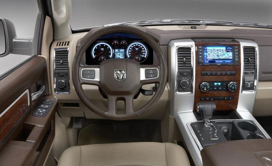 2009 Dodge Ram - Slide 17