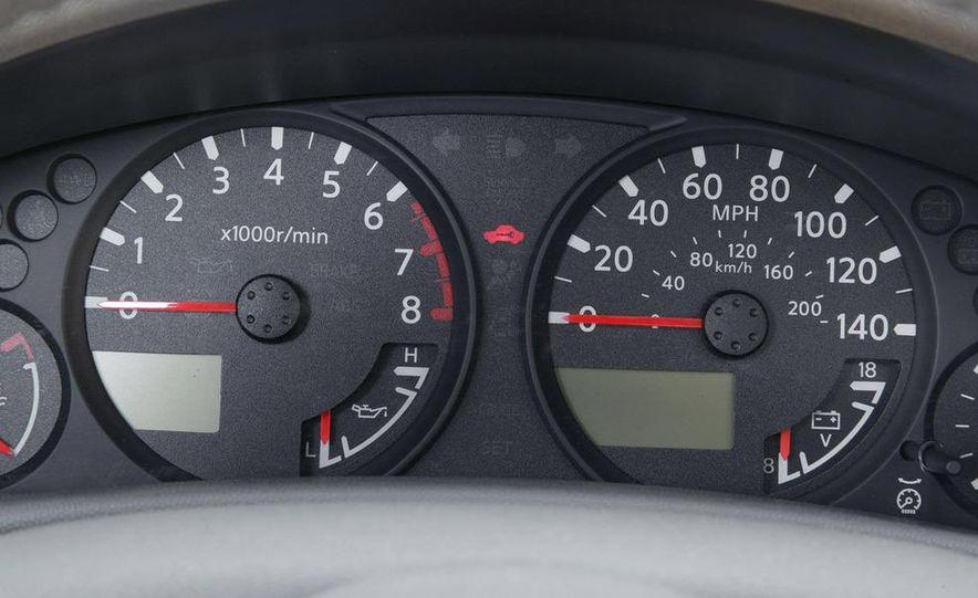 2009 Nissan Frontier Crew Cab - Slide 3