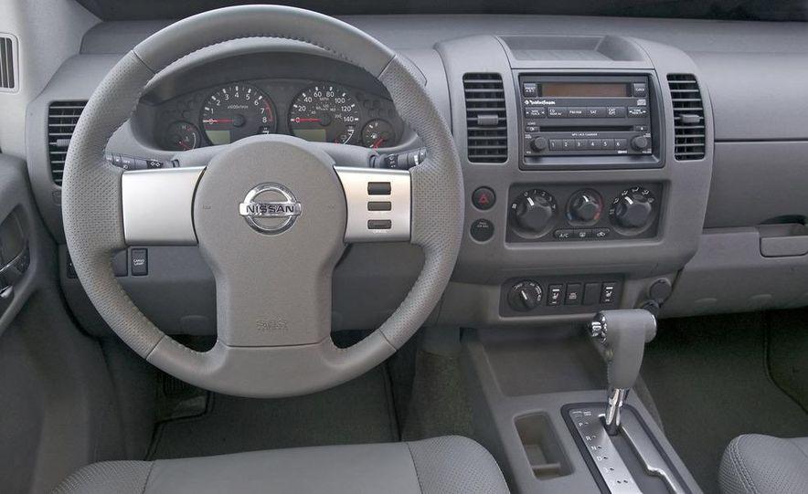 2009 Nissan Frontier Crew Cab - Slide 12