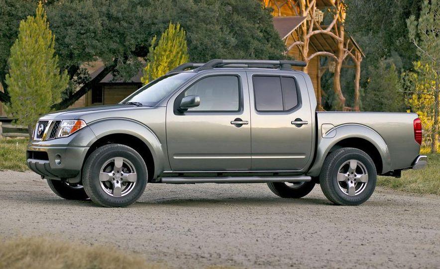 2009 Nissan Frontier Crew Cab - Slide 6