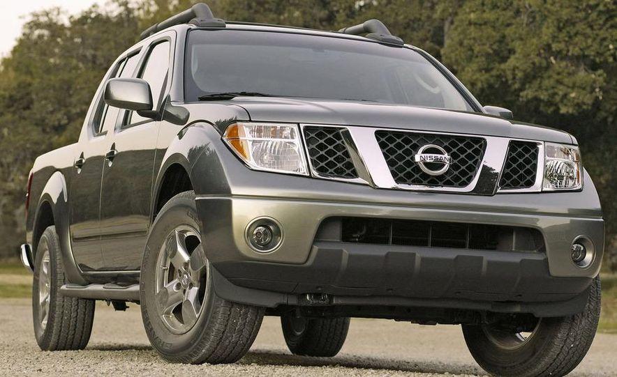 2009 Nissan Frontier Crew Cab - Slide 7