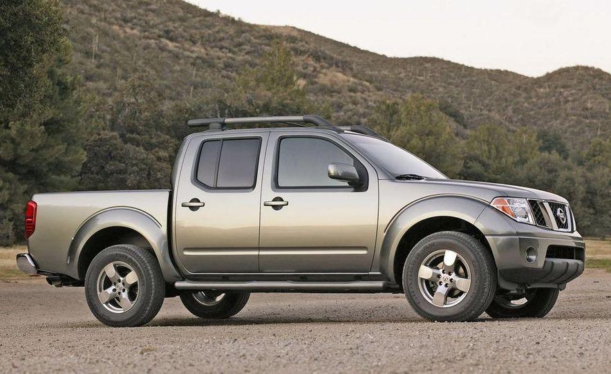 2009 Nissan Frontier Crew Cab - Slide 8