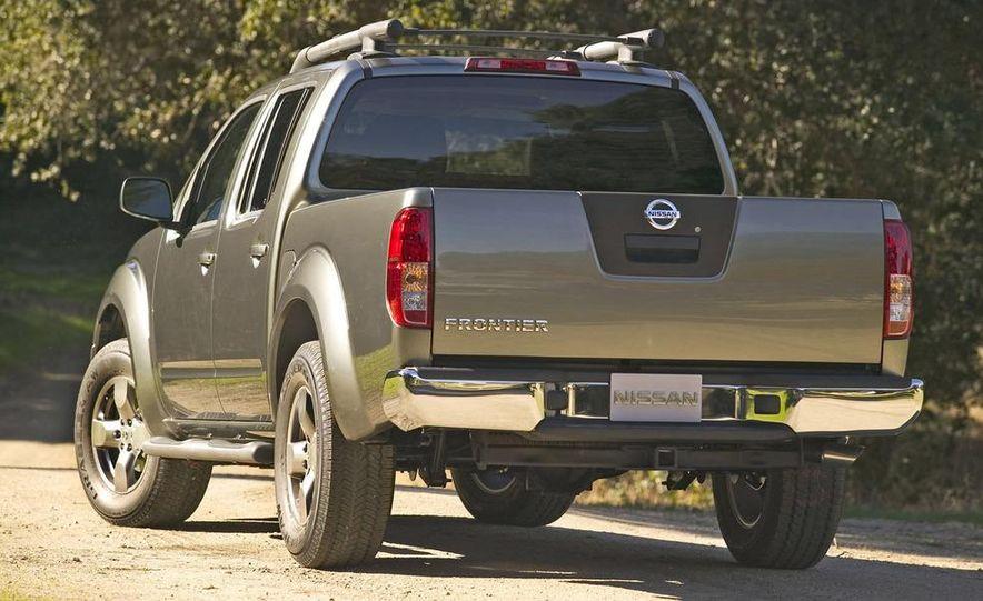 2009 Nissan Frontier Crew Cab - Slide 10