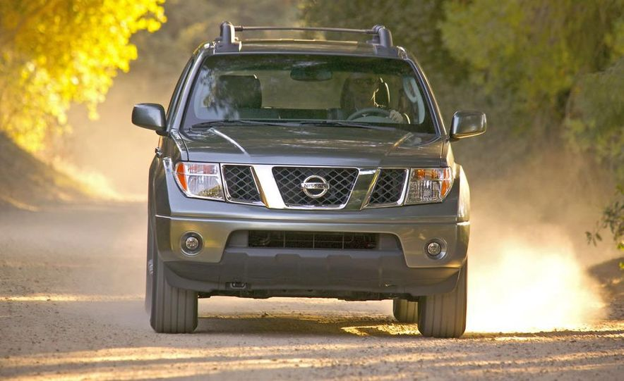 2009 Nissan Frontier Crew Cab - Slide 11