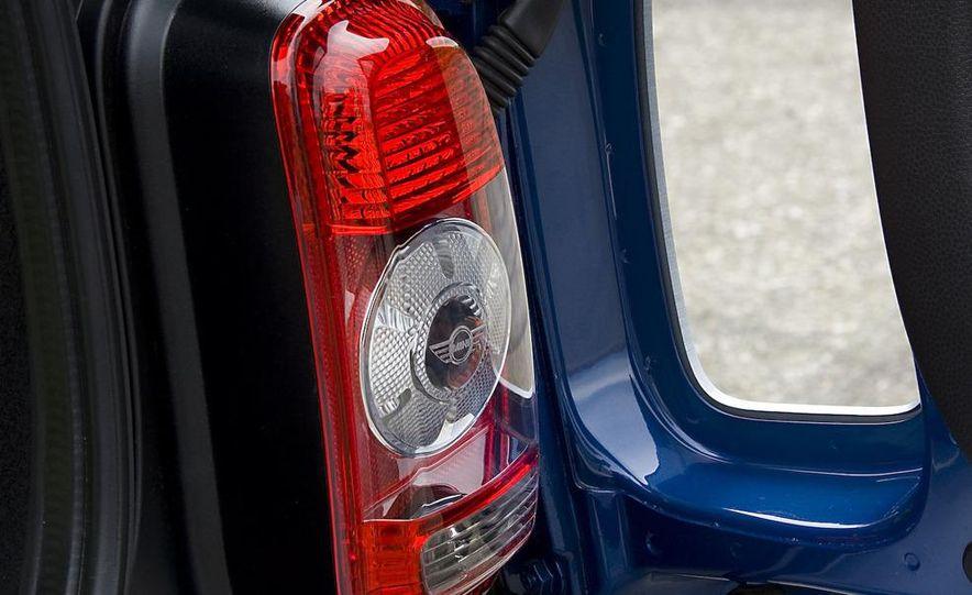 2008 Mini Cooper S Clubman - Slide 24