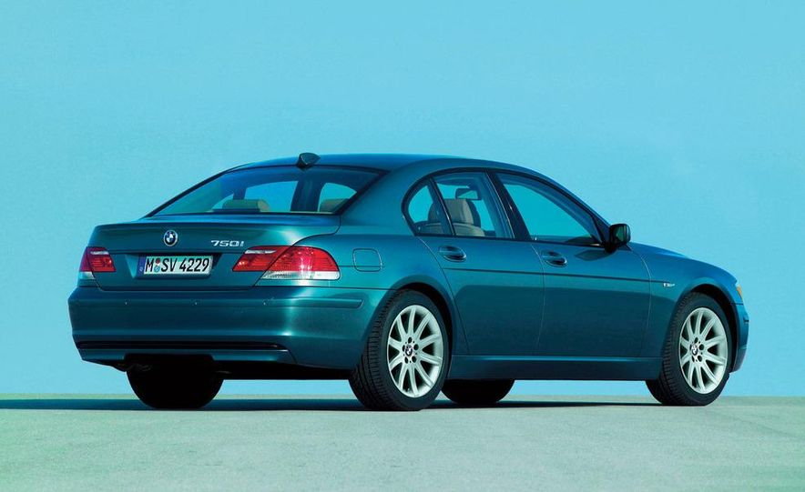 2009 BMW 7-series illustration - Slide 19