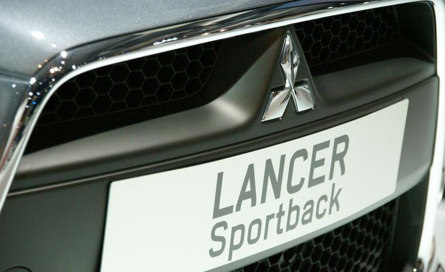 2009 Mitsubishi Lancer Sportback Ralliart (Euro spec) - Slide 4