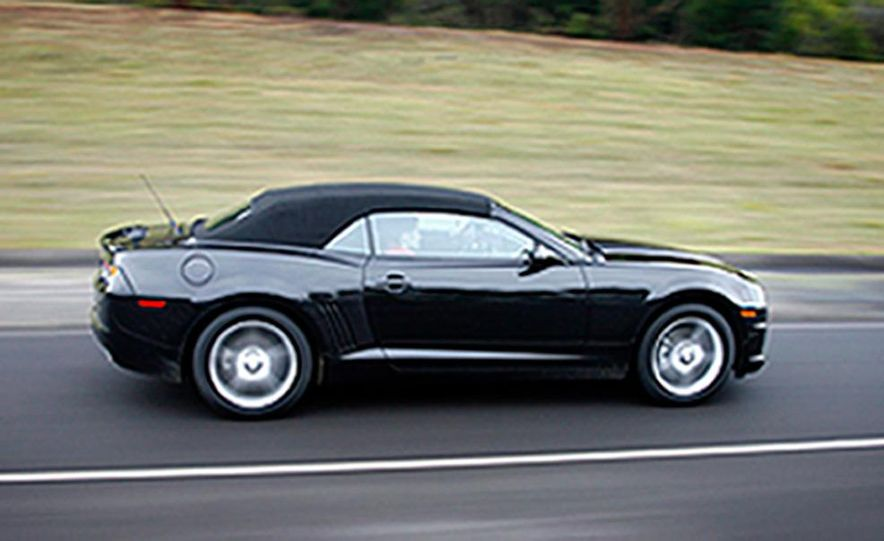 2010 Chevrolet Camaro convertible - Slide 2