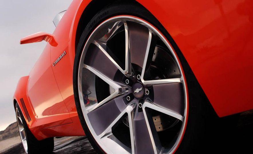 2010 Chevrolet Camaro convertible - Slide 3