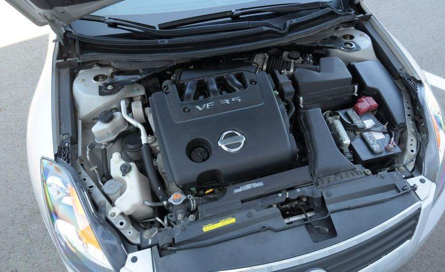 2007 Nissan Altima 3.5SE - Slide 22
