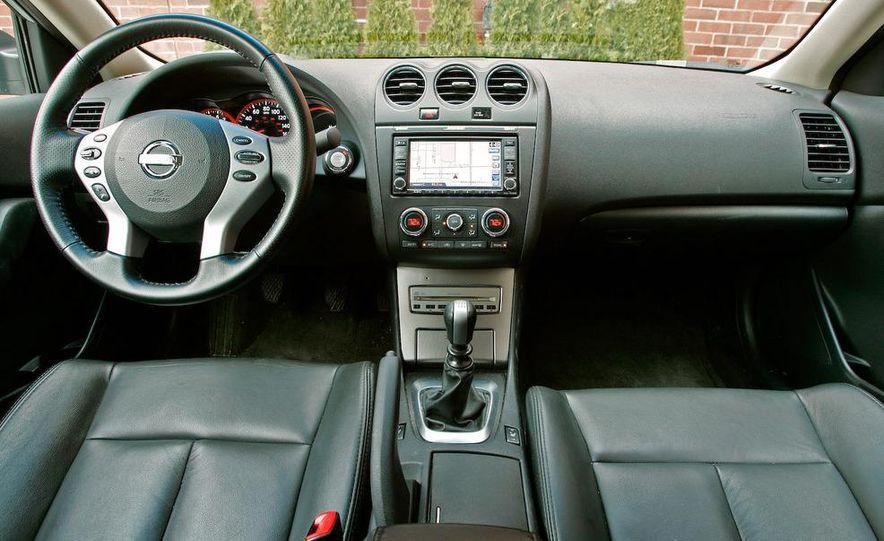 2007 Nissan Altima 3.5SE - Slide 15