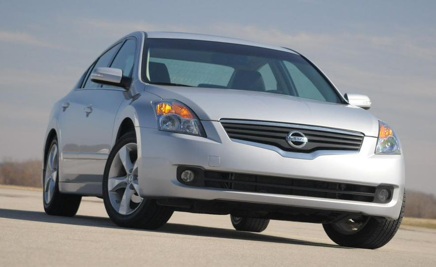 2007 Nissan Altima 3.5SE - Slide 4
