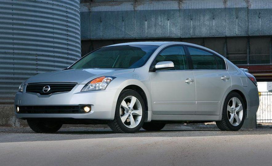 2007 Nissan Altima 3.5SE - Slide 16