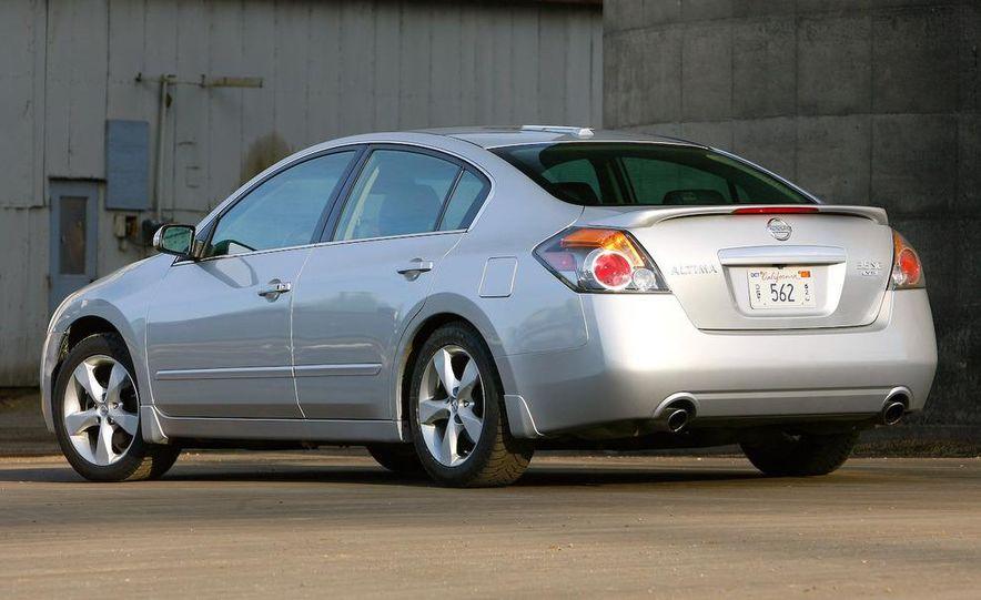 2007 Nissan Altima 3.5SE - Slide 18