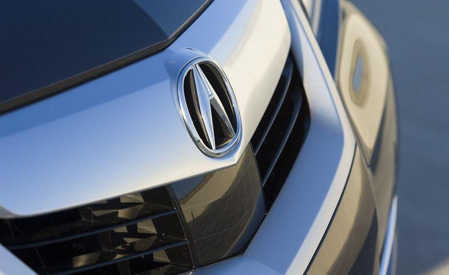 2009 Acura RL SH-AWD - Slide 14