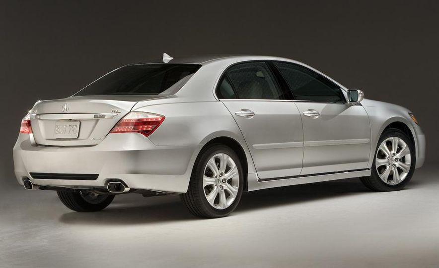 2009 Acura RL SH-AWD - Slide 2