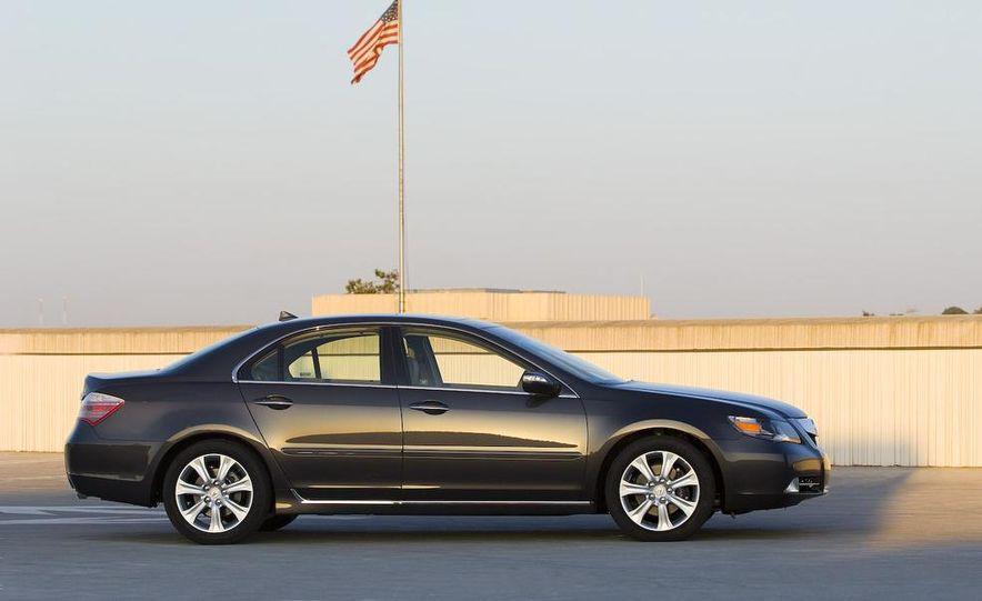 2009 Acura RL SH-AWD - Slide 6