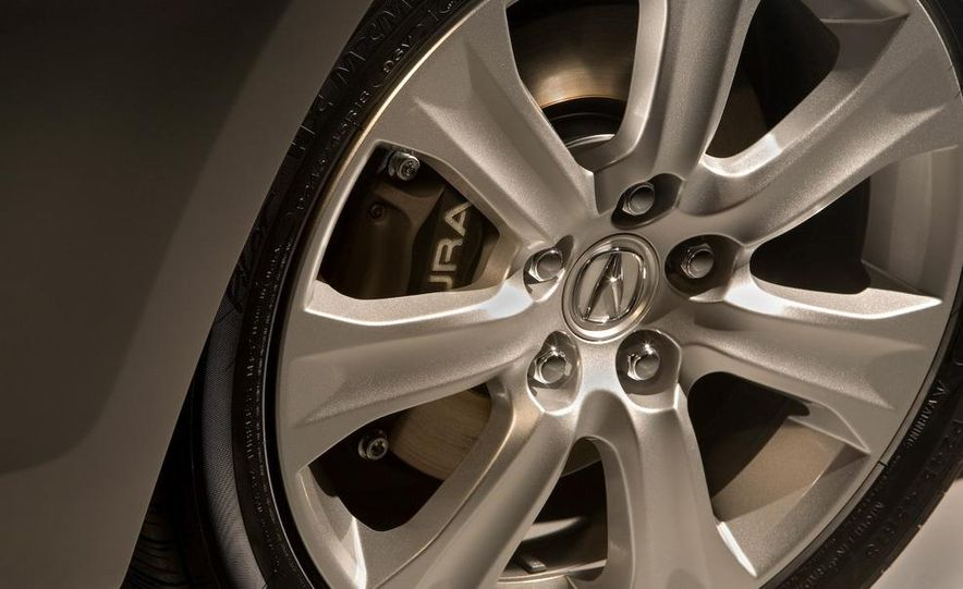 2009 Acura RL SH-AWD - Slide 13