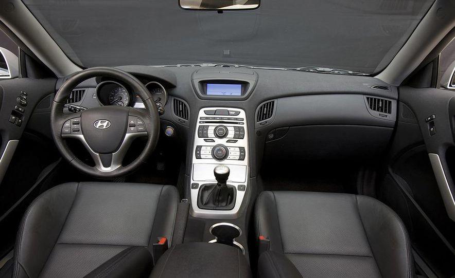 2010 Hyundai Genesis coupe - Slide 19