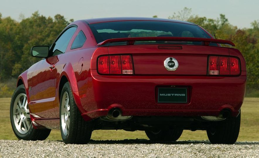 2008 Ford Mustang convertible - Slide 17