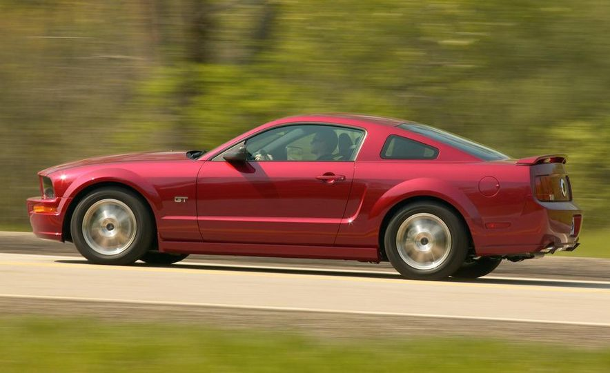 2008 Ford Mustang convertible - Slide 20