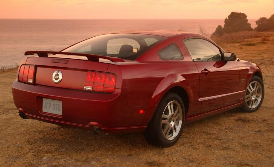 2008 Ford Mustang convertible - Slide 21