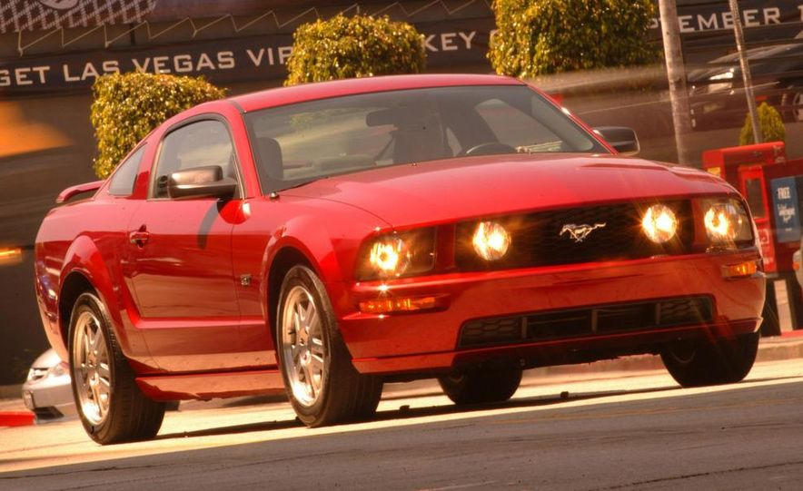 2008 Ford Mustang convertible - Slide 24