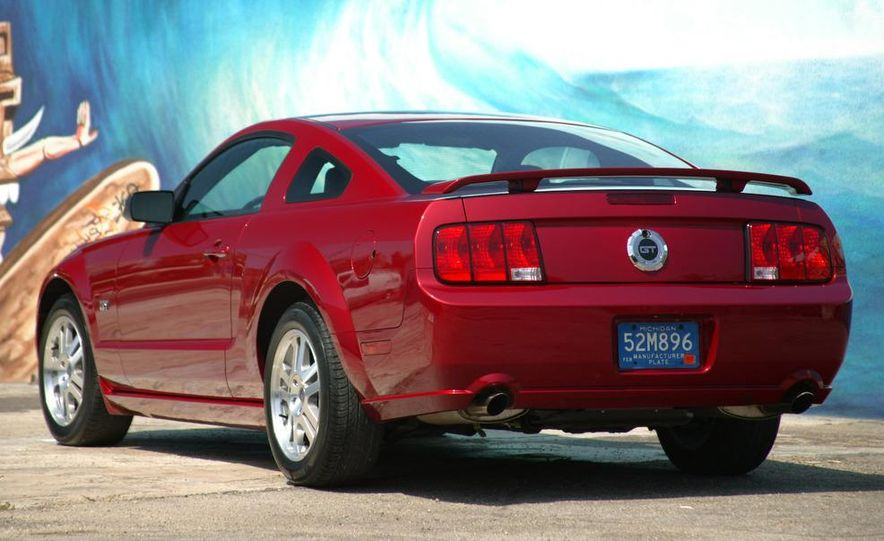 2008 Ford Mustang convertible - Slide 25