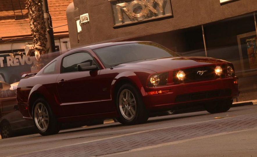 2008 Ford Mustang convertible - Slide 27