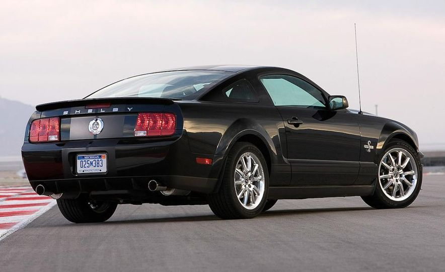 2008 Ford Mustang convertible - Slide 9