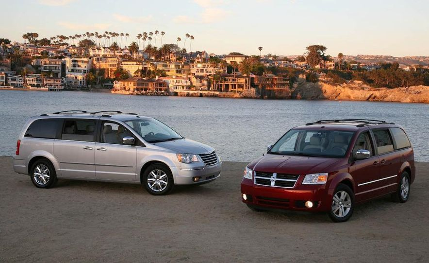 2008 Chrysler Town & Country and Dodge Grand Caravan - Slide 1