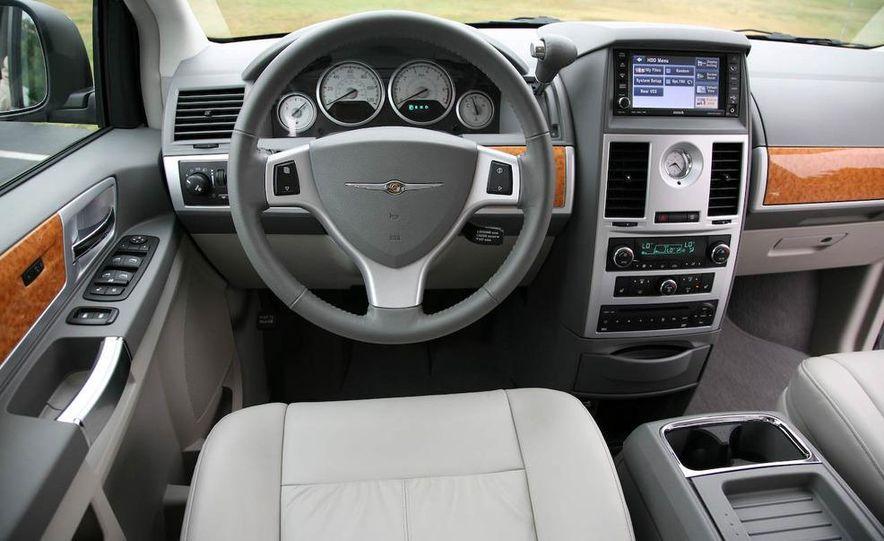 2008 Chrysler Town & Country and Dodge Grand Caravan - Slide 17