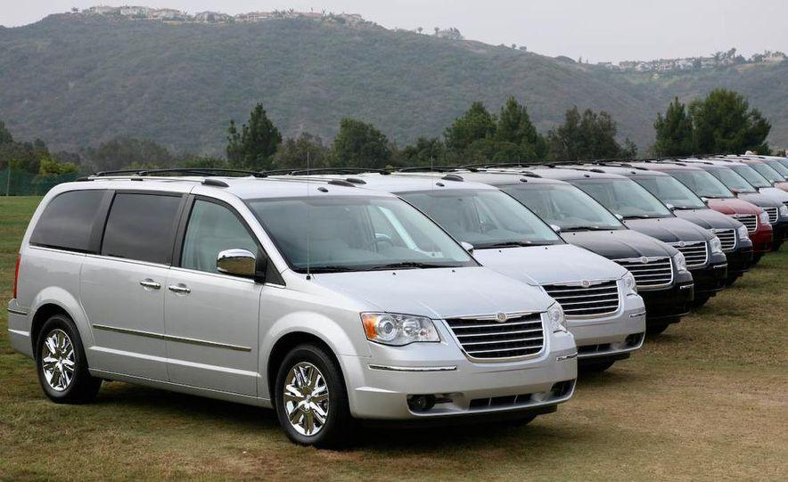 2008 Chrysler Town & Country and Dodge Grand Caravan - Slide 9