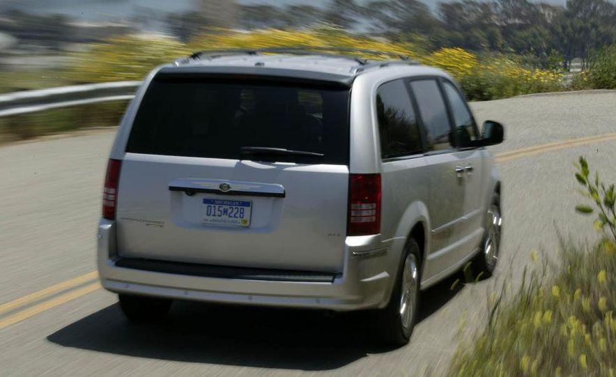 2008 Chrysler Town & Country and Dodge Grand Caravan - Slide 3