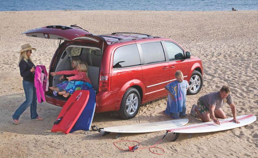 2008 Chrysler Town & Country and Dodge Grand Caravan - Slide 10