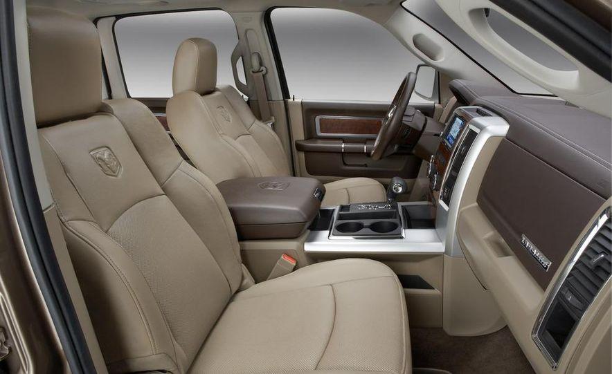 2008 Chrysler Town & Country and Dodge Grand Caravan - Slide 25